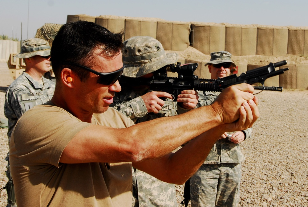 Burn Notice actors spend time with Soldiers