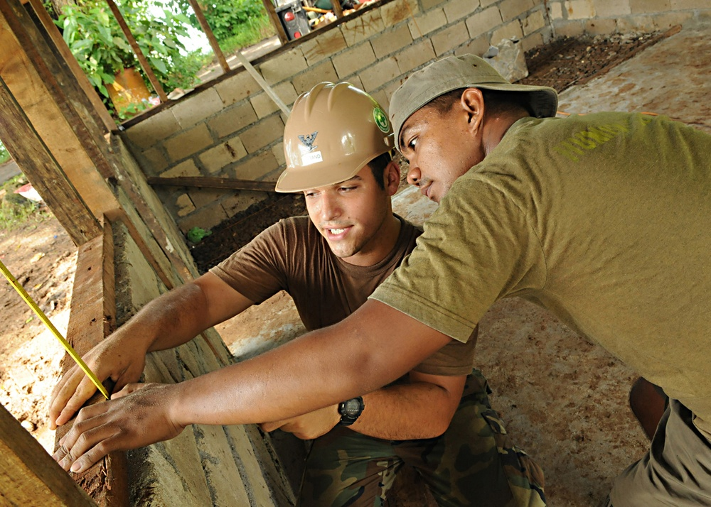 Seabees, Philippine Marines Give Youth Tools to Build Future