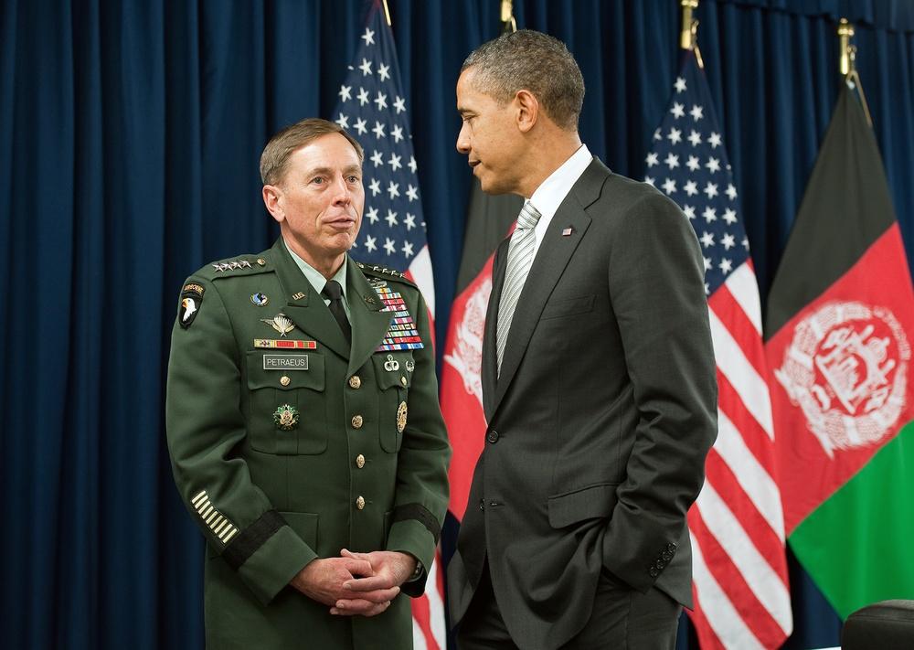 President Obama and Gen. Petraeus meet in Lisbon