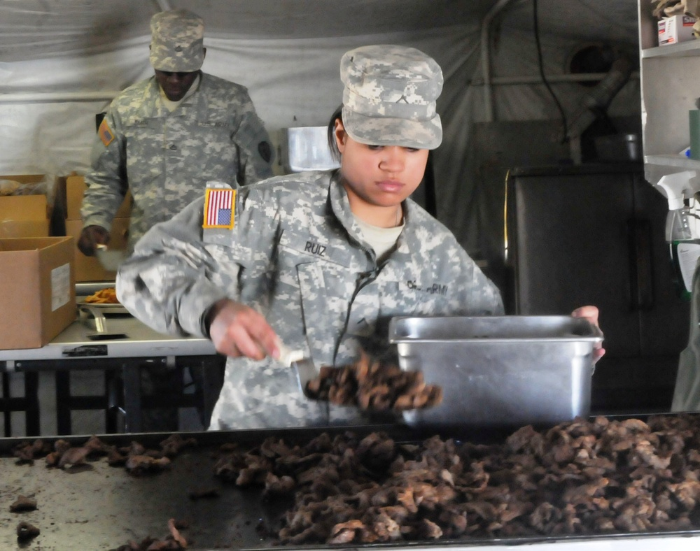 Army cooks Feeding the Force