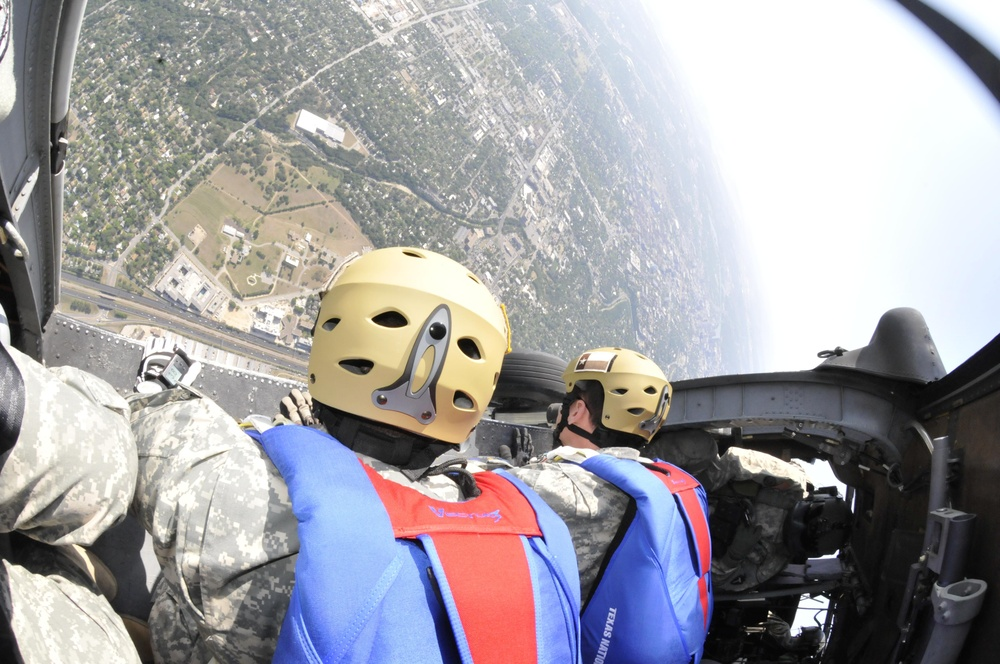 Air assault, parachute teams capture attention at American Heroes Celebration