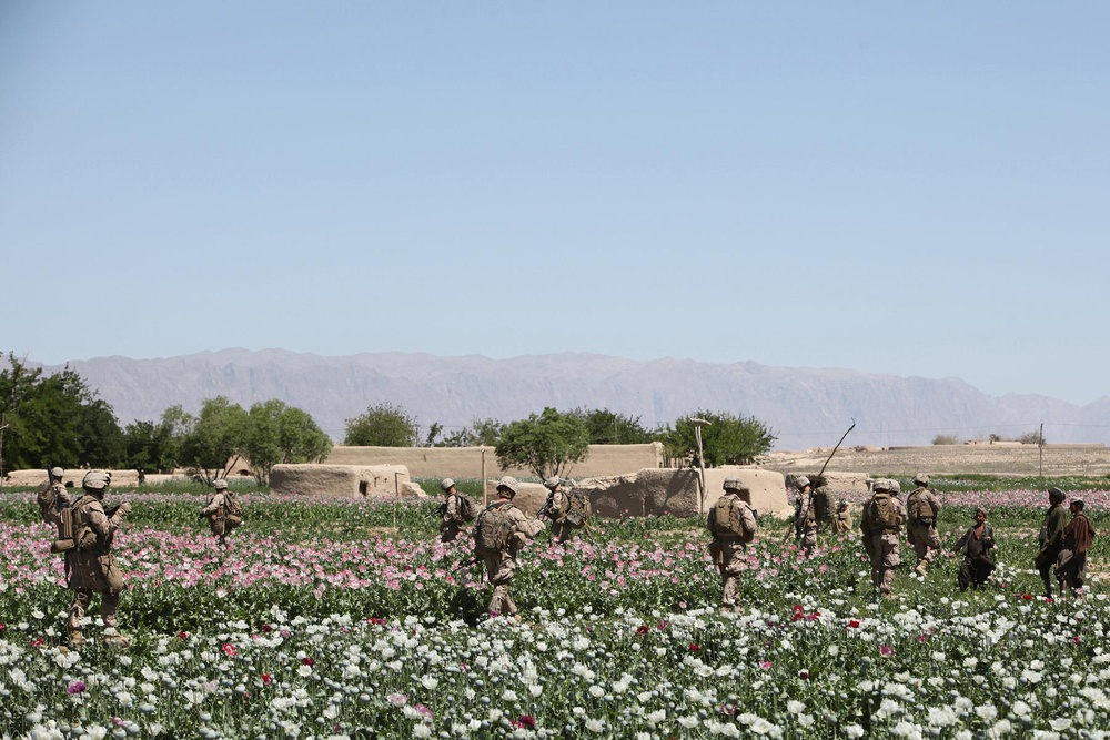 Artillery Marines hold back insurgents in key Afghan district