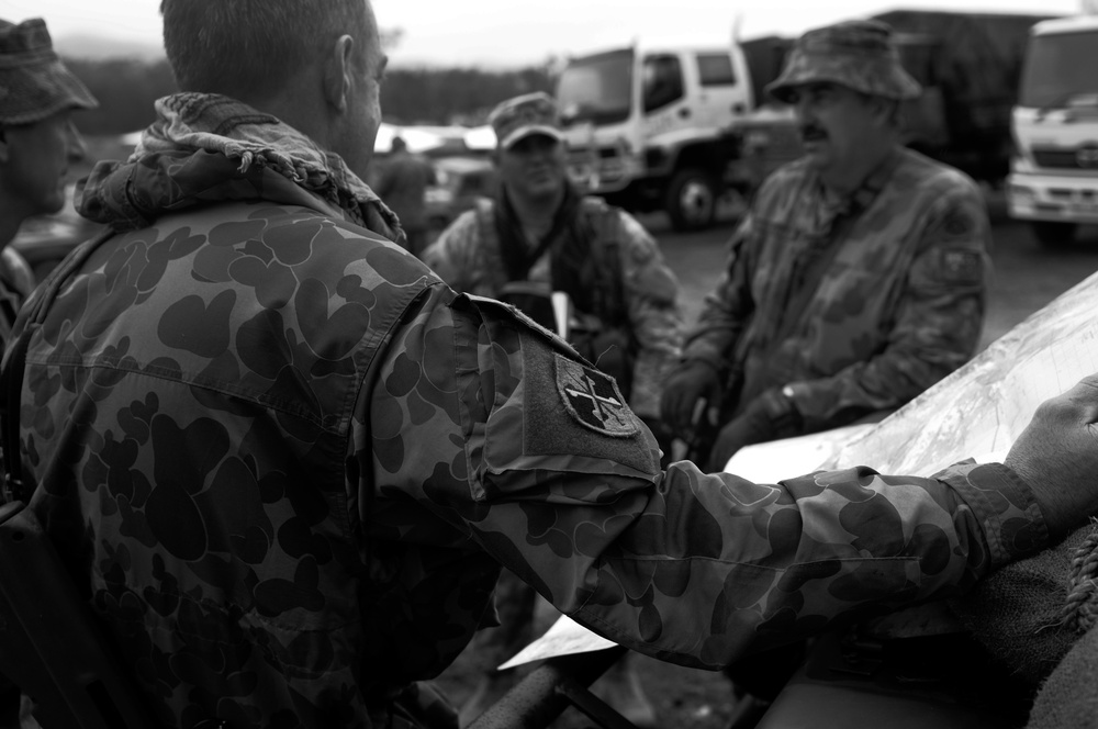 Aboriginal soldiers navigate Talisman Sabre 2011 with U.S. Army Scouts