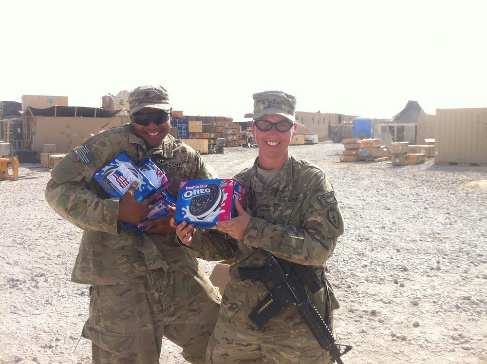 Soldiers enjoy midnight snack during 'Operation Oreo Cookie'