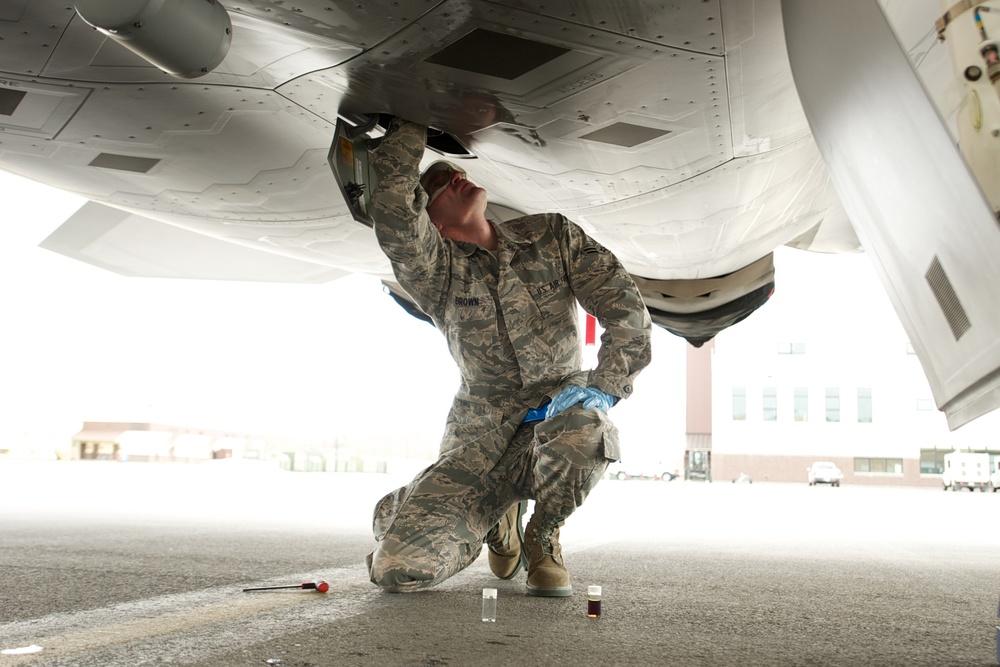 JBER accepts delivery of last F-22 Raptor