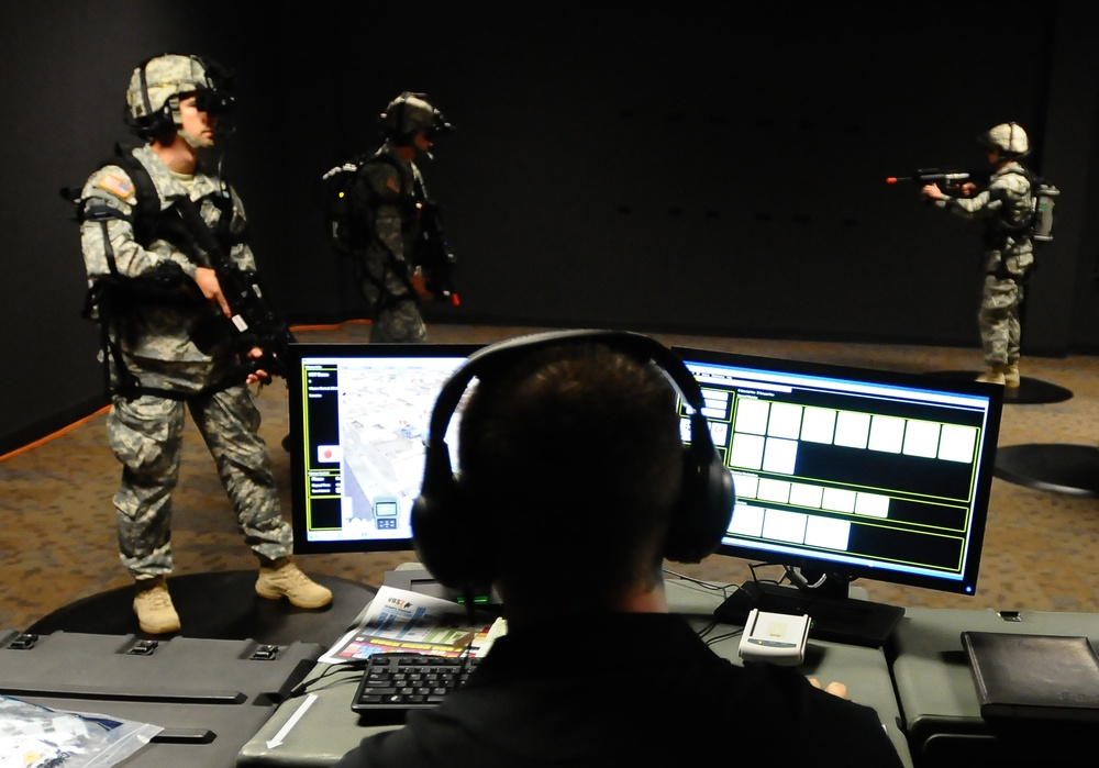 Virtual mission monitored as paratroopers fight