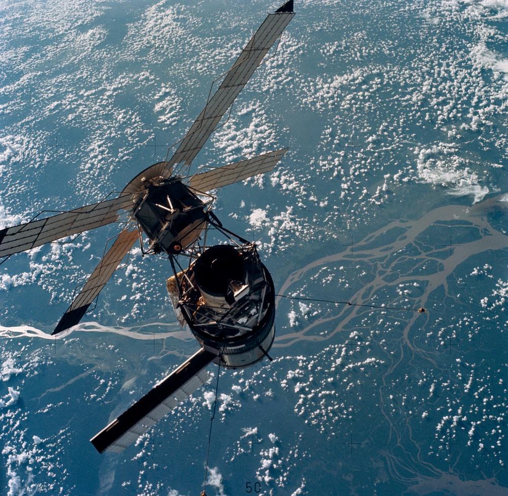 Skylab 3,Skylab as the CM moves in for docking