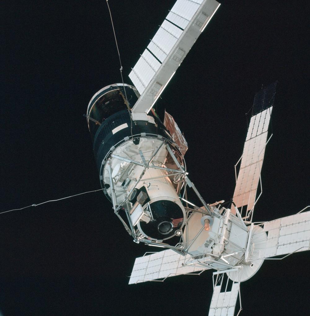 Skylab 3,Skylab views during rendezvous and flyaround