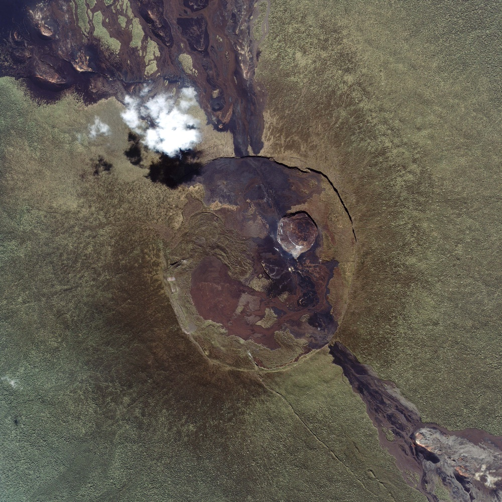 Summit Close Ups of Two African Volcanoes: Image of the Day