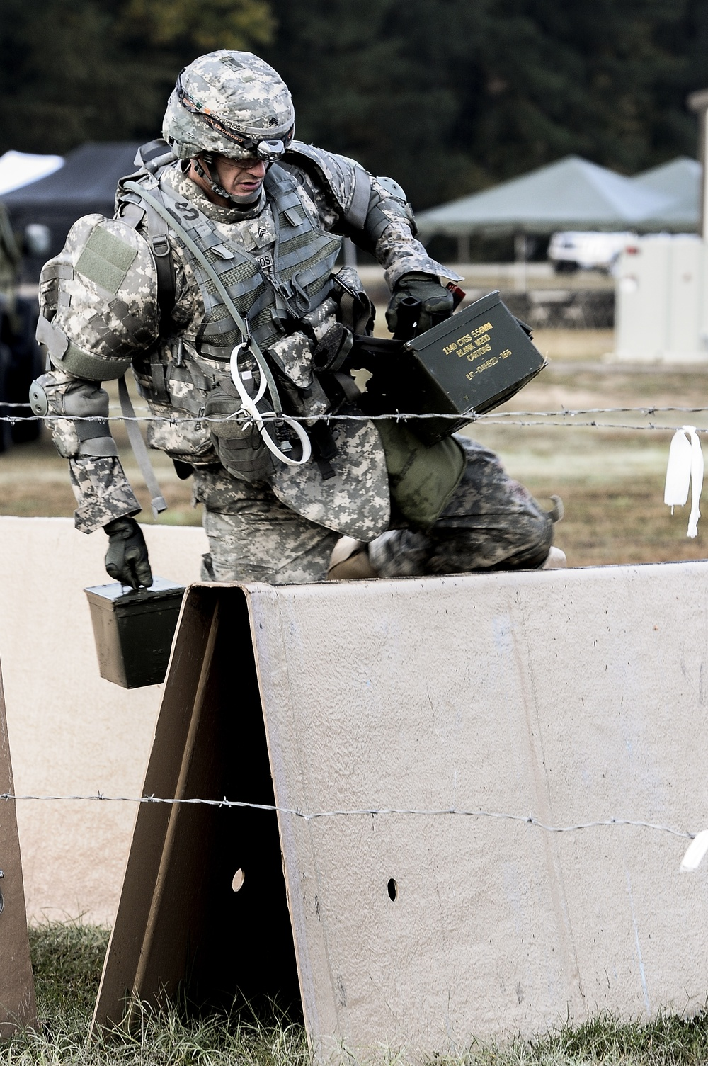 Sgt. Darius Kryzwonos navigates a stress shoot course