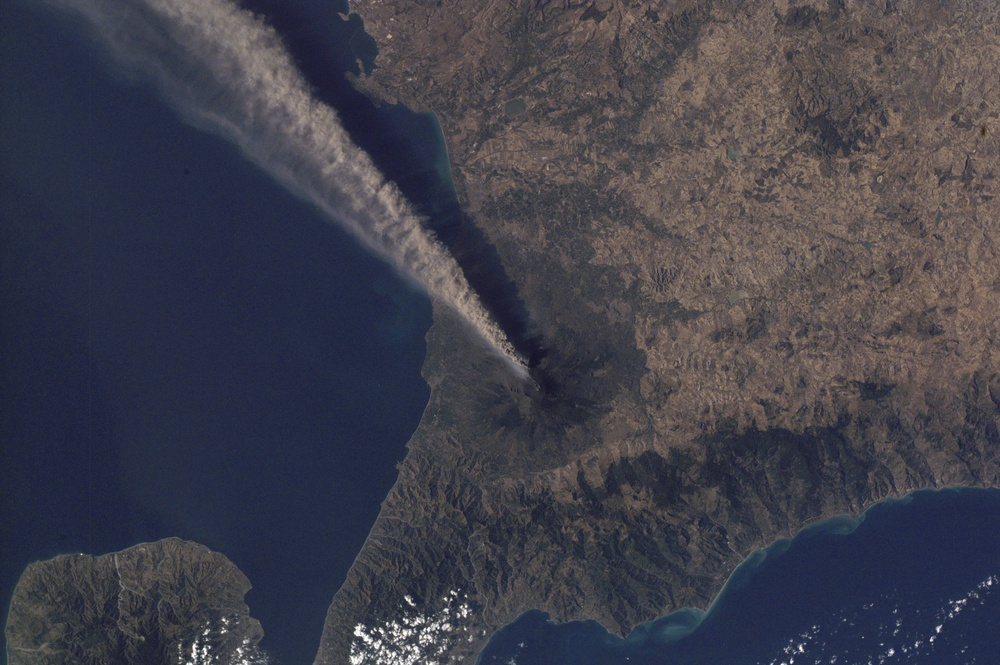 Ash Plume Streams from Mt. Etna, Sicily : Image of the Day