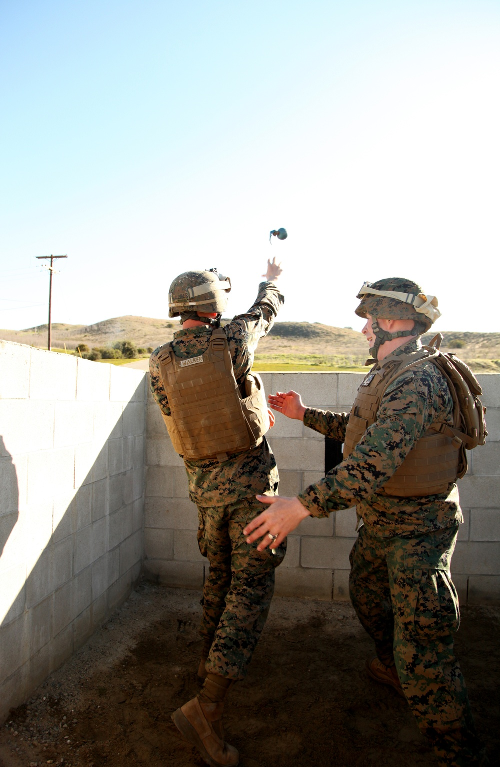 7th Engineer Support Battalion trains with grenades