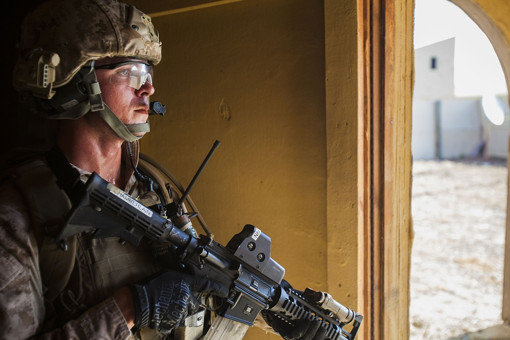 22nd MEU force recon platoon completes advanced combat tactics training