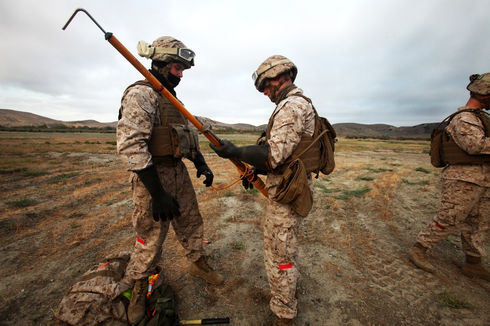 Landing Support Marines prove sky is the limit during HST training