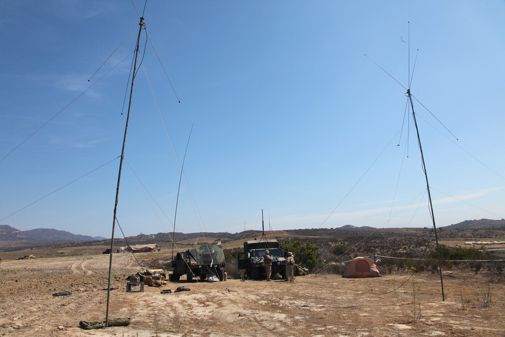 No distance too far: CLB-5 Marines conduct communications exercise