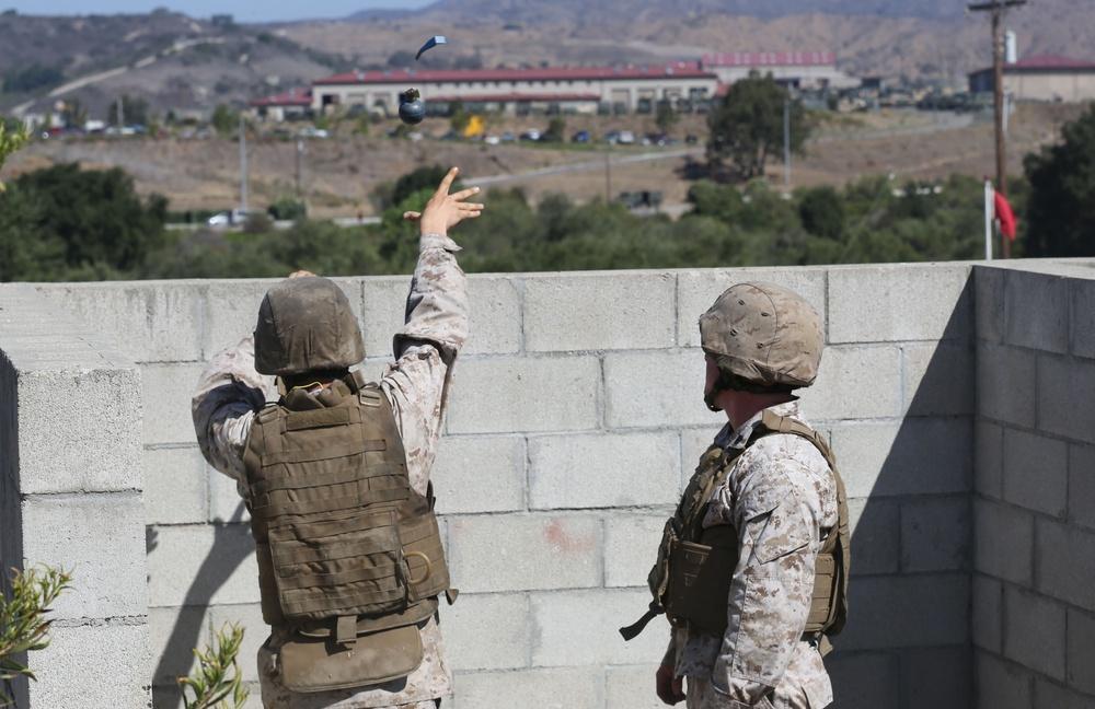 Assault Amphibian Battalion refines grenade handling skills