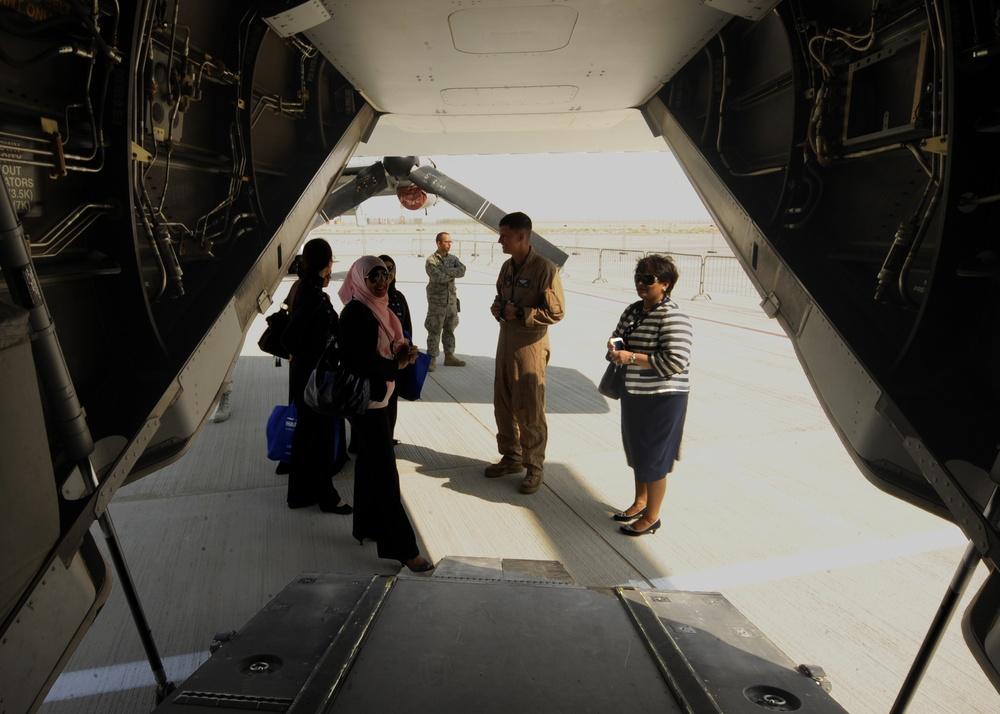 US military supports 2013 Dubai Airshow