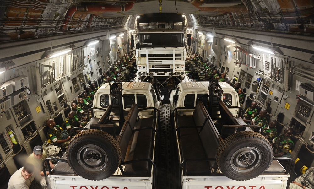 US transports Rwandan soldiers into CAR