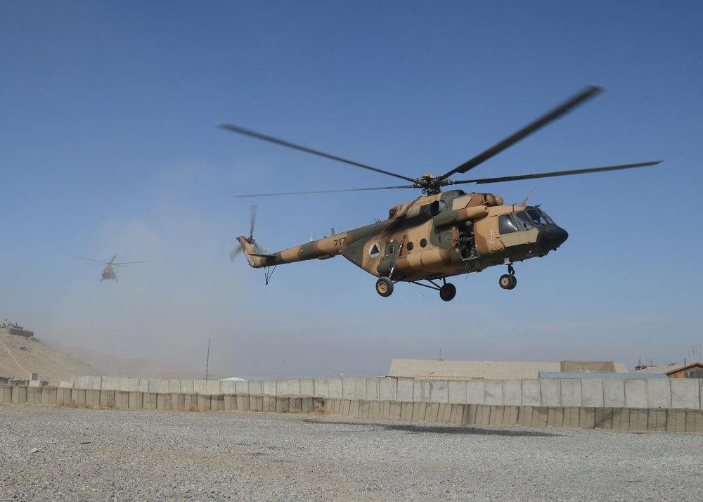 Afghan commandos, Afghan aviators hone tactical helicopter operations