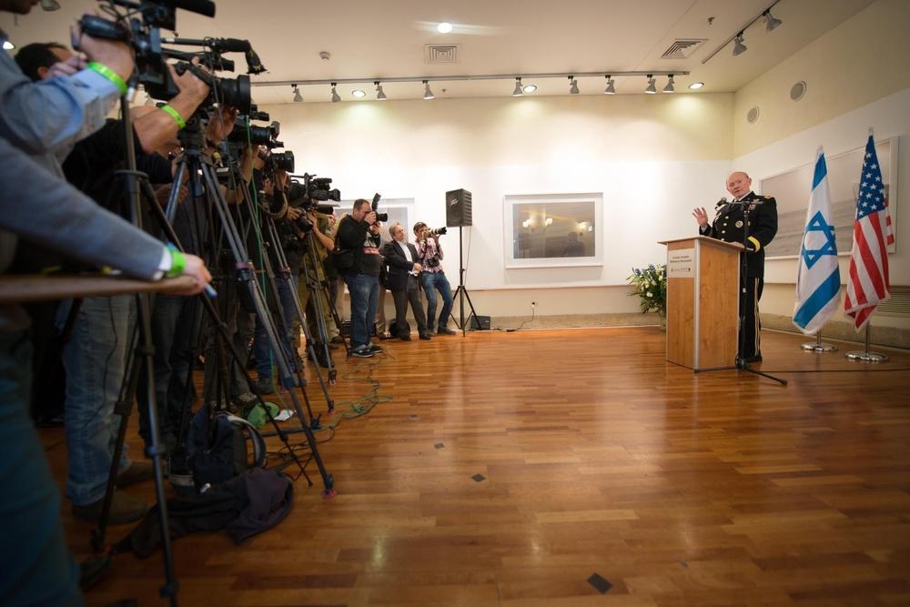 Gen. Martin E. Dempsey talks with Israeli and international press