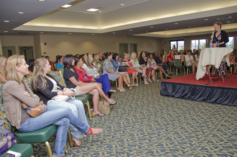 Mollie Gross offers support, comedy to military spouses