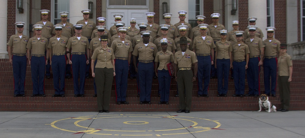6th Marine Corps District presented safety award