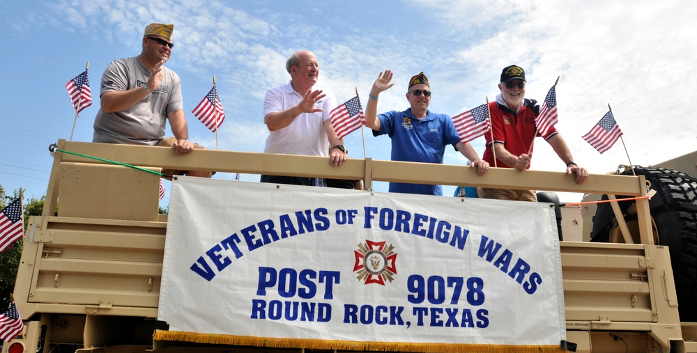 Texas Guardsmen support VFW for July Fourth parade