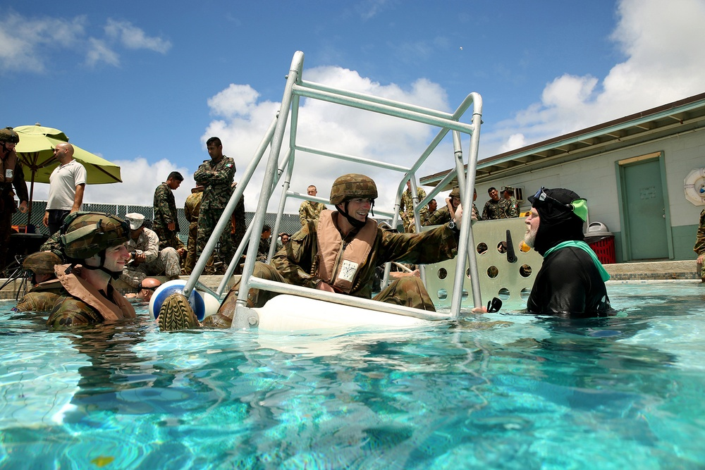 Australian, Mexican militaries conduct SWET Training during RIMPAC