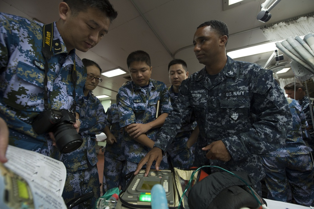USNS Mecy hosts multinational humanitarian assistance/disaster relief exchange
