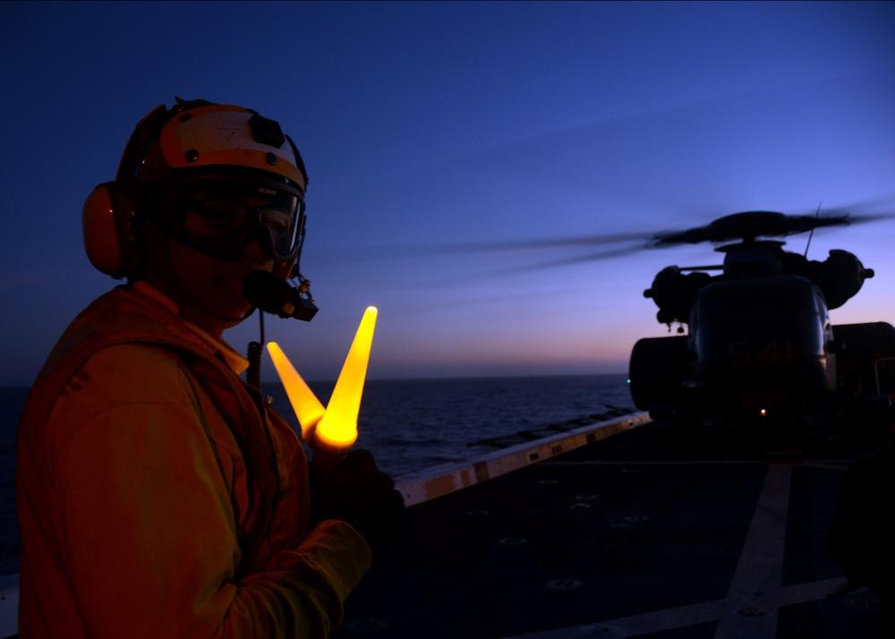 USS Anchorage supports HM-14 airborne mine countermeasures training, RIMPAC 2014