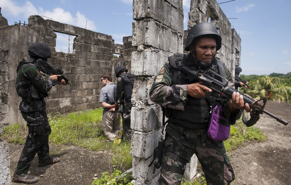 PNP Maritime Group police conduct direct action training mission with JIATF West ODA Special Forces operators