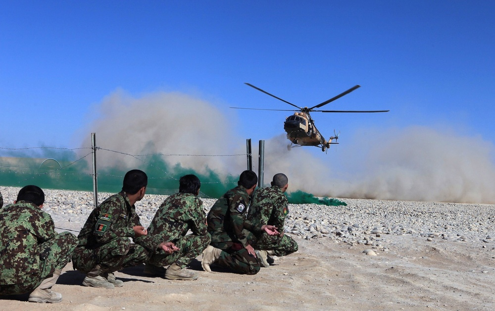 215th Corps soldiers complete Afghan Tactical Air Coordinator course aboard Camp Shorabak