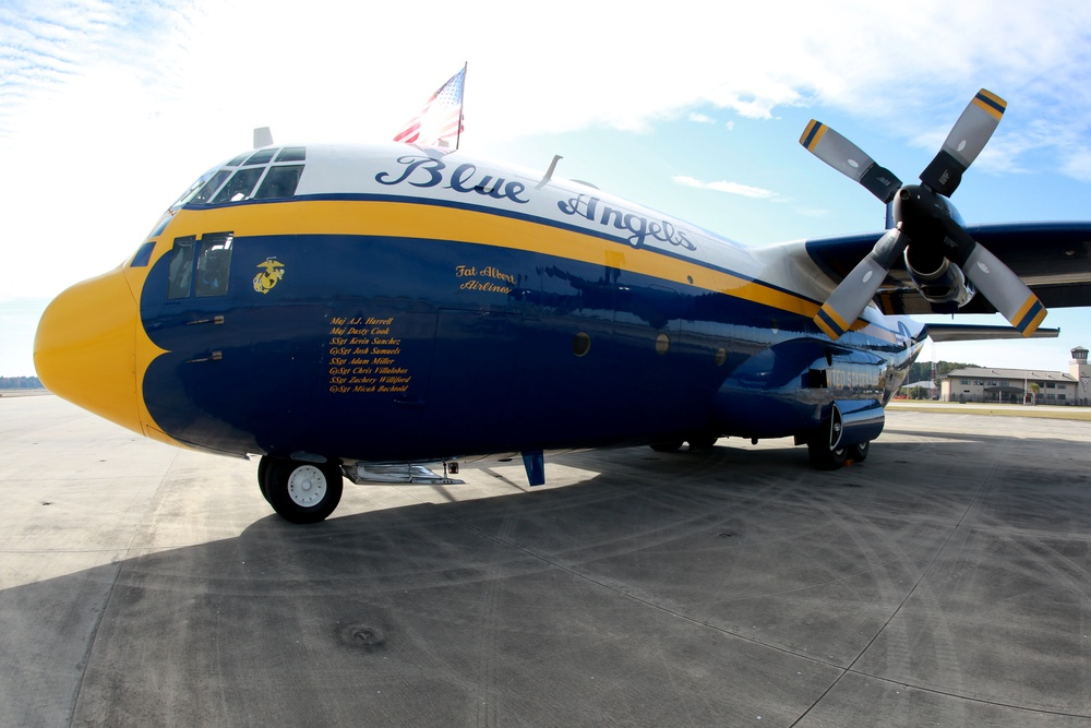 Blue Angels begin prepping for 2015 MCAS Beaufort Airshow
