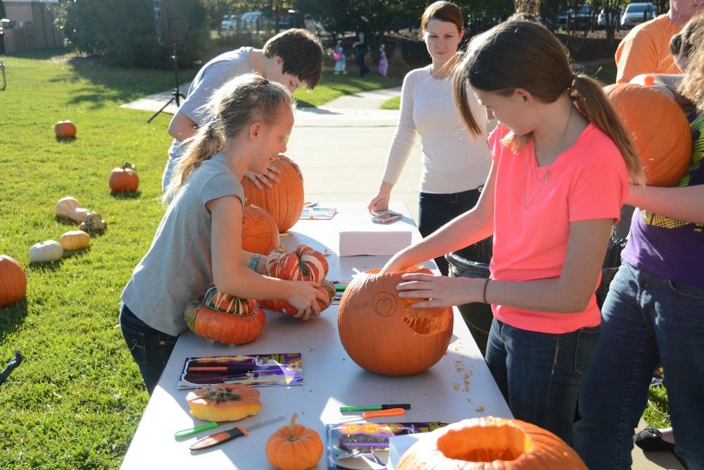 Fall Festival Enhances USAJFKSWCS Family Business