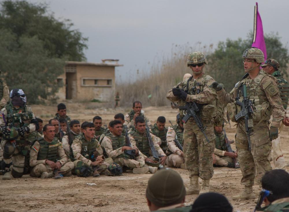 Iraqi soldiers greet 82nd Abn. Lt.