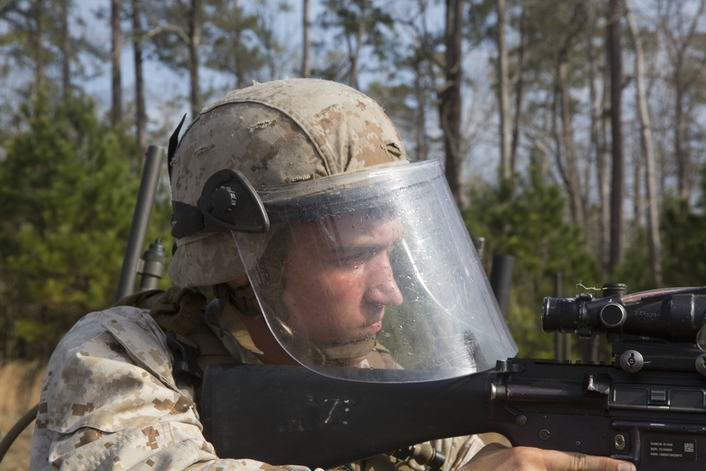 2/6 Marines complete riot-control training