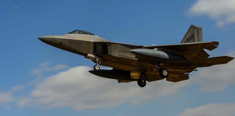 US Air Force F-22 Raptors arrive at Osan AB