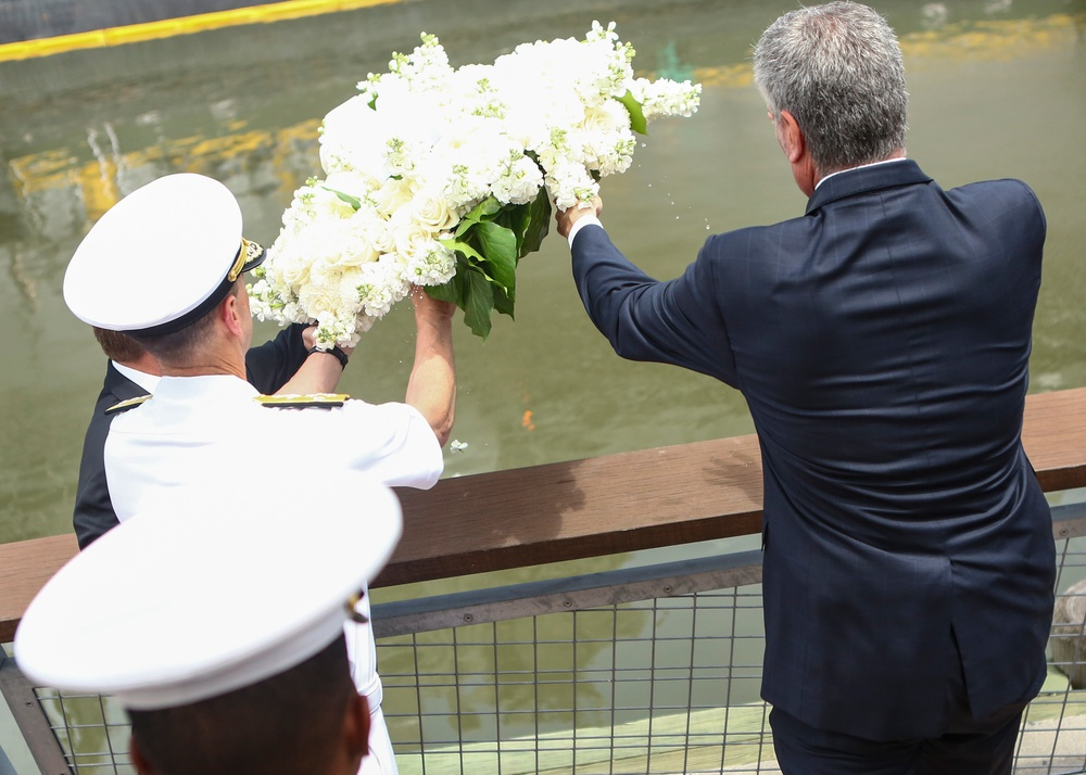 Service members, NYV honors the fallen