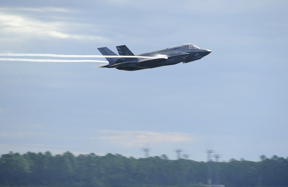 F-35 Lightning II has first operational air-to-air missile fire