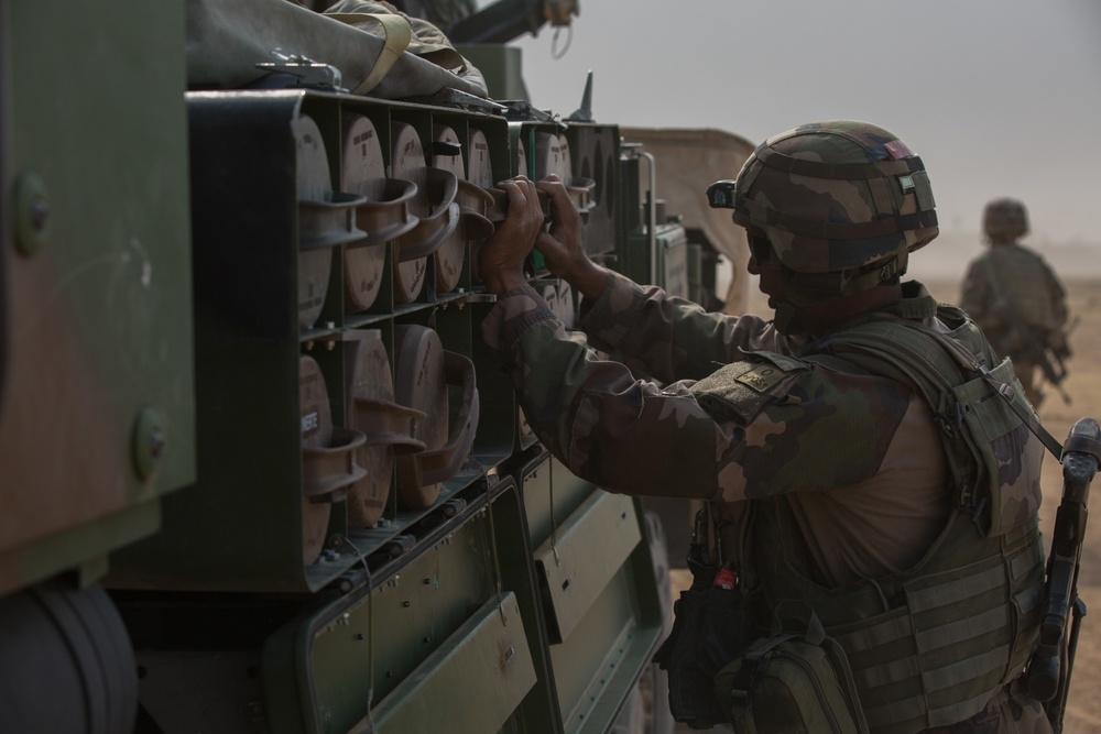 French Forces Provide Fire Support