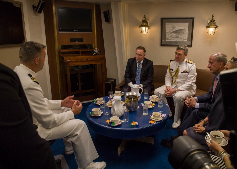 NZ Prime Minister visits USS Sampson