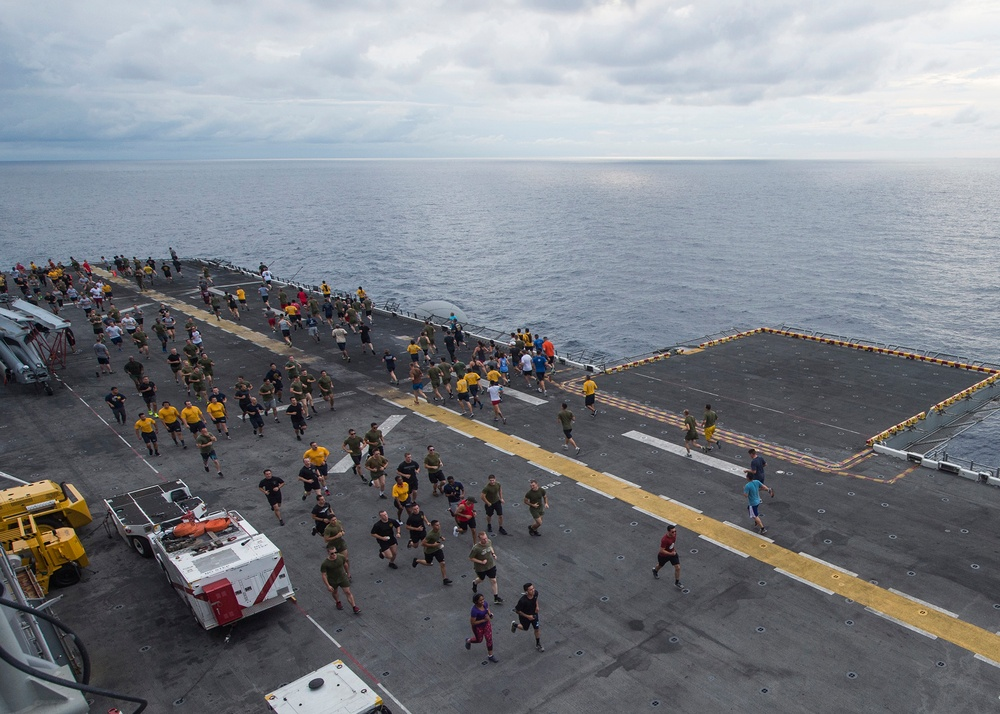 USS Makin Island Thanksgiving 5K