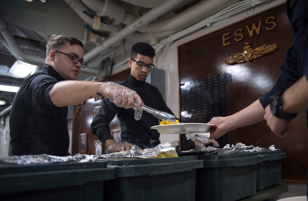 Thanksgiving aboard USS Bonhomme Richard (LHD 6)