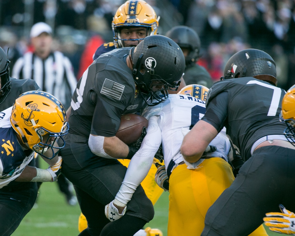 Army defeats Navy 21-17 in the 2016 Army Navy Game