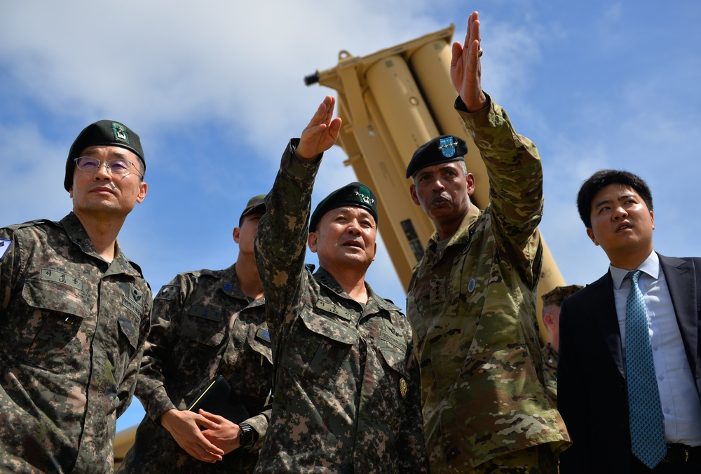 South Korea Army joint chief of staff visits THAAD on Guam
