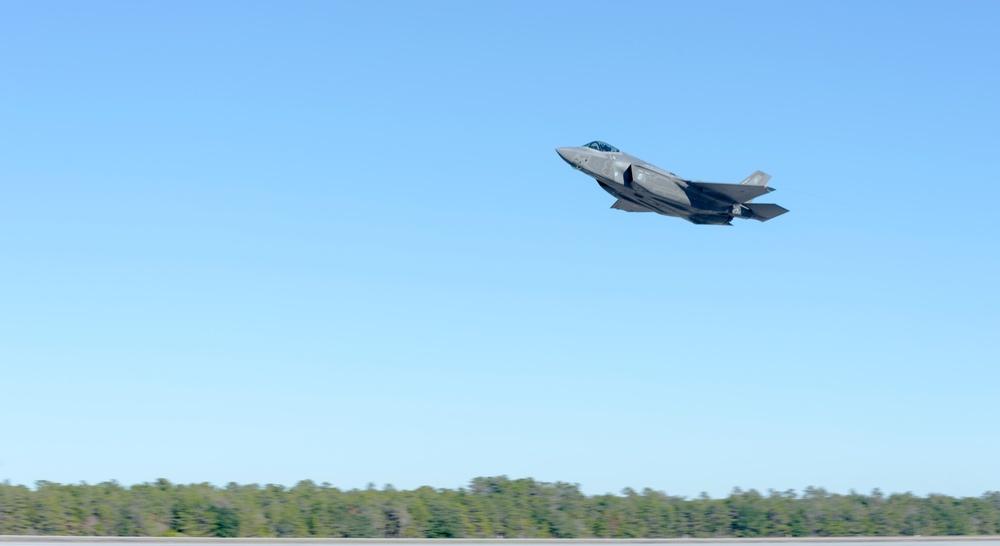 Florida Air National Guard pilots train the force