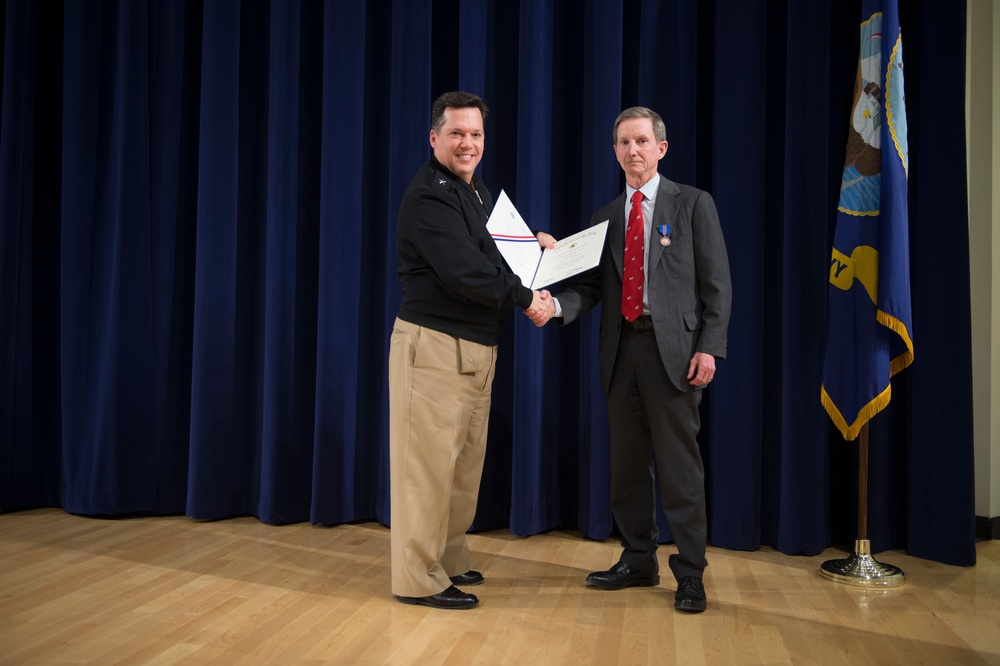 Druggan praises Carderock Division workforce, presents Civilian Service Award