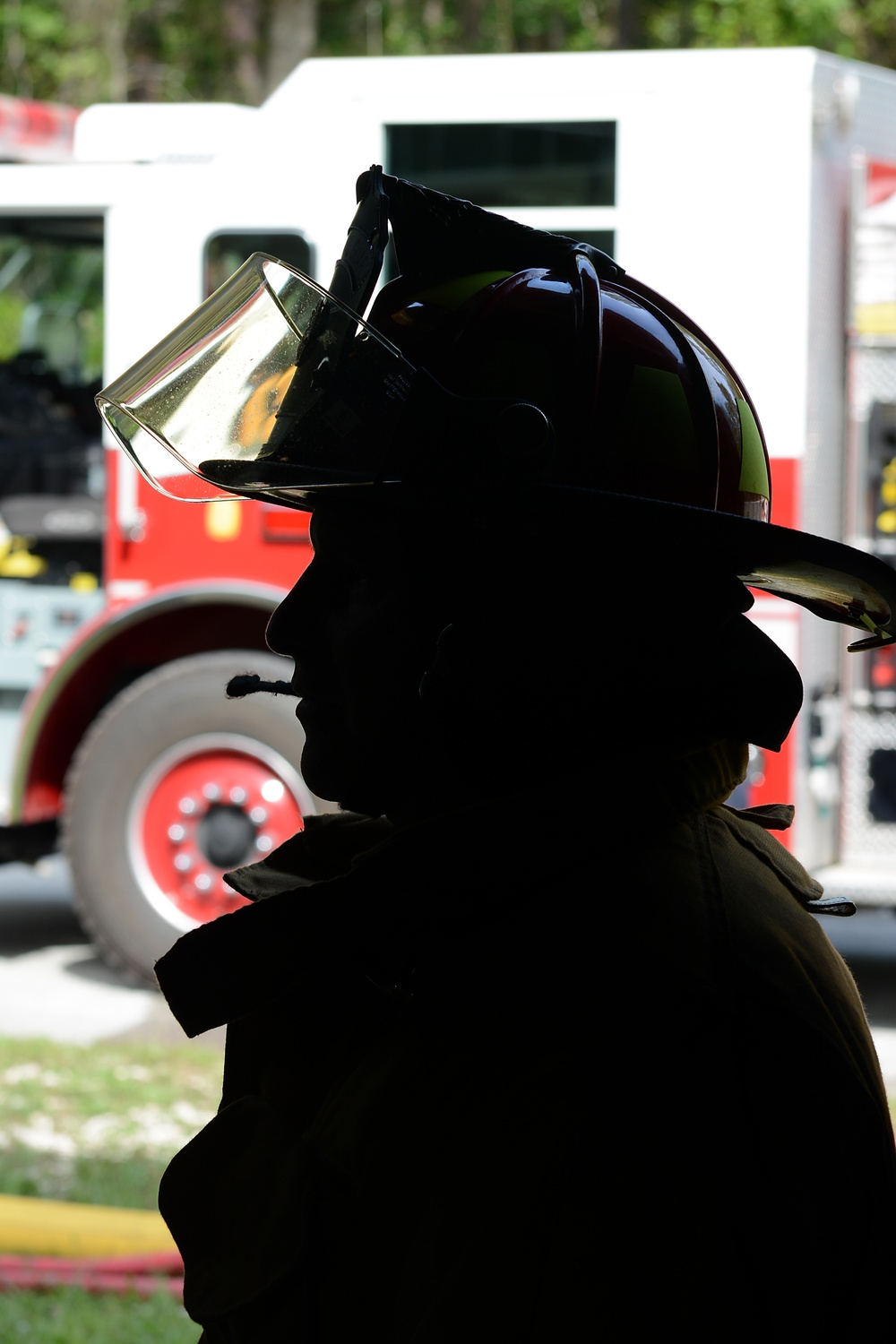 125th Fighter Wing firefighters get hands-on training at Naval Air Station Jacksonville