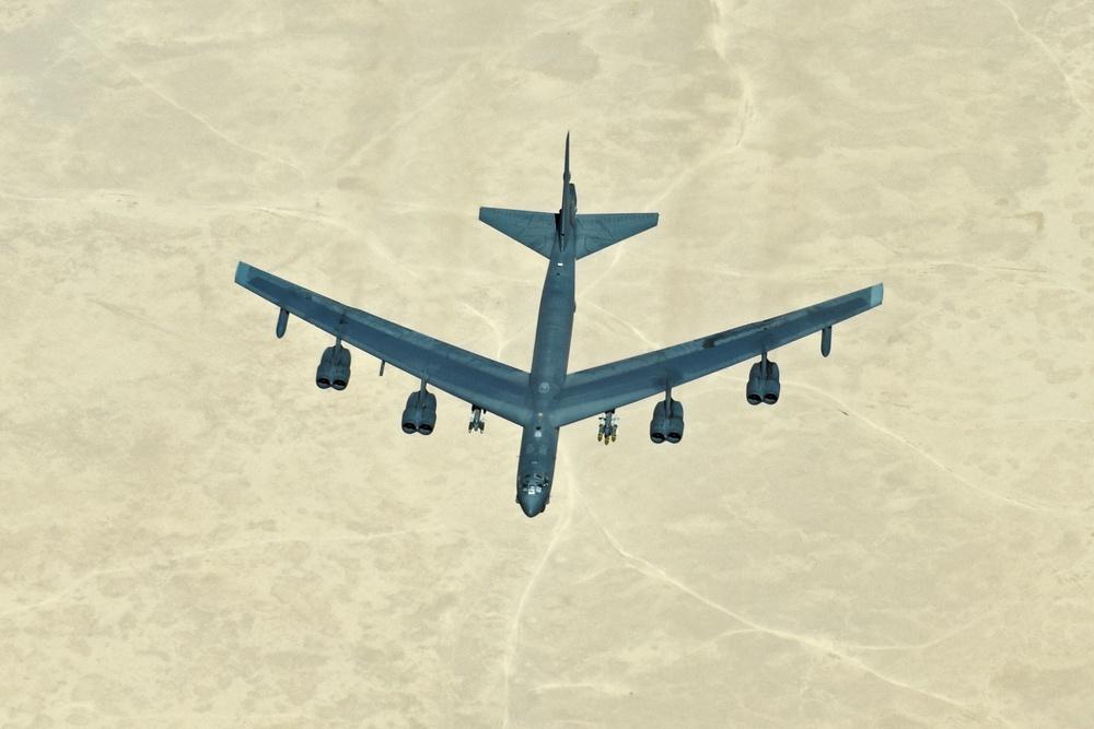 908 EARS refuels Navy F/A-18 Super Hornets, B-52 Stratofortress