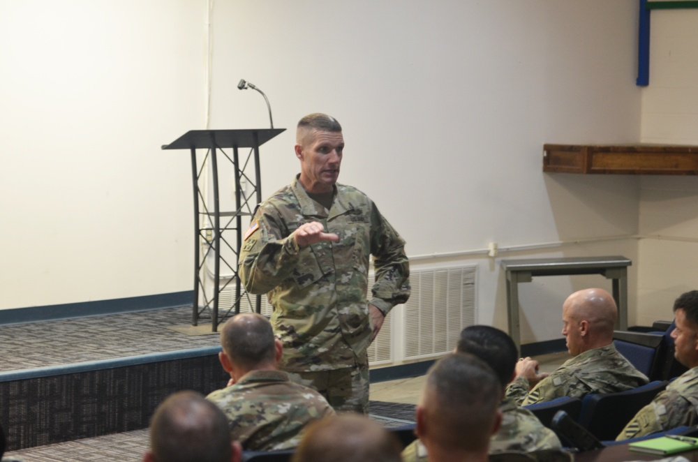 SMA Dailey pays a visit to Army's 1st SFAB